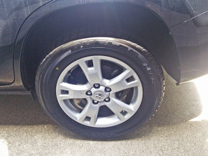 Rav4_tire_blew_out_3
